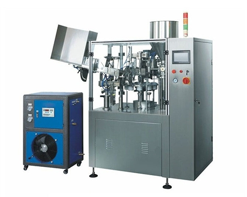 Automatic inner heating hose filling and sealing machine