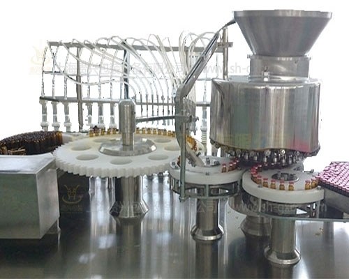 Capping machine for oral liquid filling