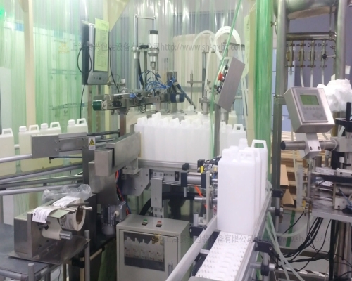 Large capacity filling machine for biochemical reagent